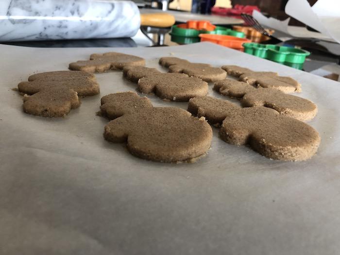 keto gingerbread cookies
